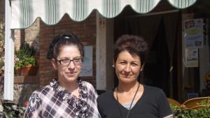 PRESSO BAR FLORIRIS Adriana Almeida Di Nardo con Irina Mitrofan